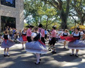 German Dancing Orlando -Schuhplattler Gruppe Alpenrose