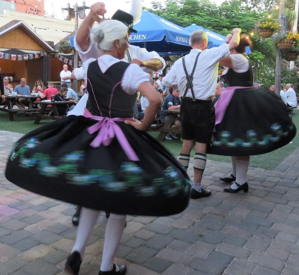 German dancers in Central Florida - Schuhplattler Gruppe Alpenrose Orlando Florida